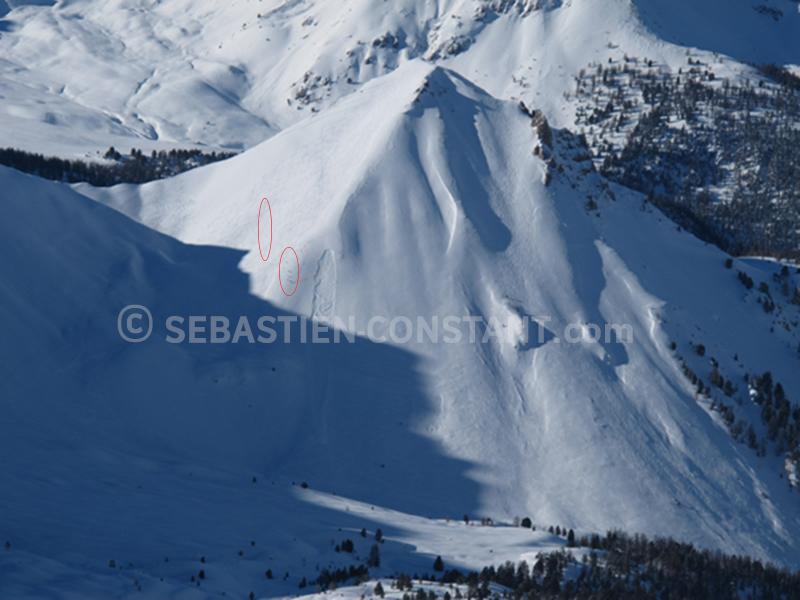 Avalanche de plaque déclenchée par un groupe de 5 skieurs / Arpelin - Cervières (Massif du Queyras)